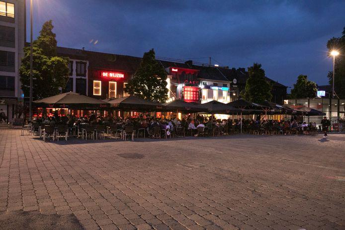 Het Kolonel Dusartplein in Hasselt waar alles tot minstens 23 uur rustig verliep.