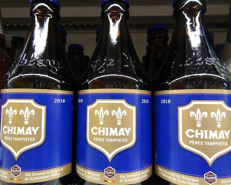 Chimay Blauw, een van de vier huidige bieren in het assortiment van Chimay. Het nieuwe bier, 'Chimay 150' of 'Chimay Groen' zal tegen de herfst verkrijgbaar zijn voor het grote publiek. Beeld BELGA/BELPRESS