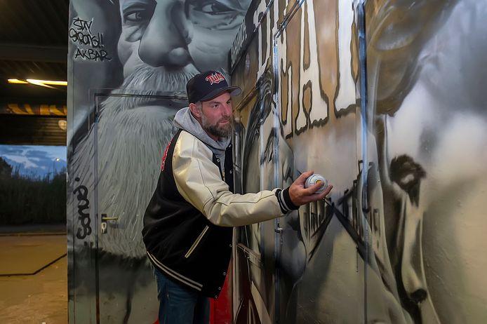 Remco van den Beemd van graffitihal The Loods: 'Als kind was ik altijd buiten. Als we straf kregen moesten we binnen zitten'