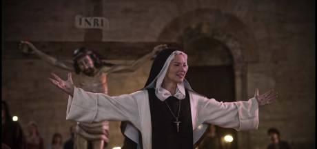 """""""Benedetta"""", pétard mouillé: le film choc de Verhoeven n'est pas aussi excitant qu'espéré"""