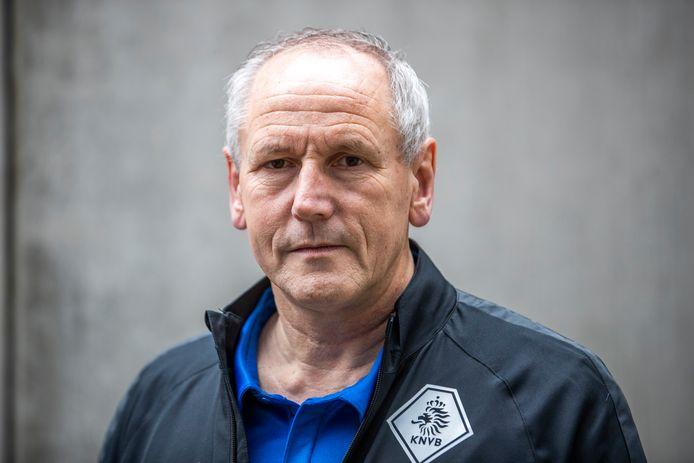 Scheidsrechtersbaas Dick van Egmond.