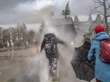 143 mensen aangehouden bij verboden demonstratie Museumplein