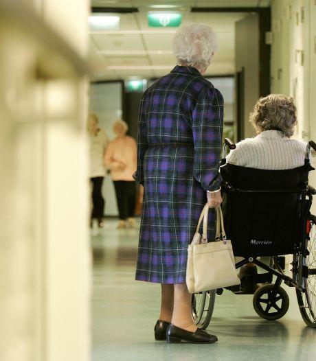 Minder corona, maar Twentse verpleeghuizen durven teugels (nog) niet laten vieren