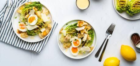 Wat Eten We Vandaag: Caesarsalade met ansjovisdressing