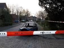 'Autobrand in Holten aangestoken'