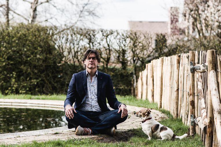 Steven Laureys: 'Ik vind dat je optimistisch in het leven moet staan en geen excuus hebt om nors of arrogant of respectloos te zijn.' Beeld Tine Schoemaker