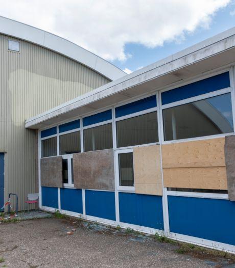 Maatregelen tegen vandalisme oud sportcomplex Nassaulaan
