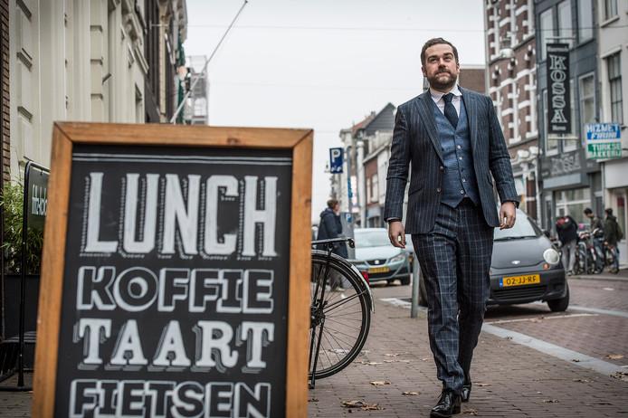 Politicus  Klaas Dijkhoff arriveert bij Kamu: 'Ik heb wel iets met koffiebars'