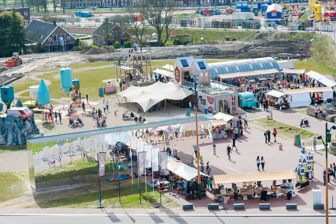 Het festivalterrein voor het nieuwe urban game evenement PlayRAUM op het Berlijnplein in Leidsche Rijn.