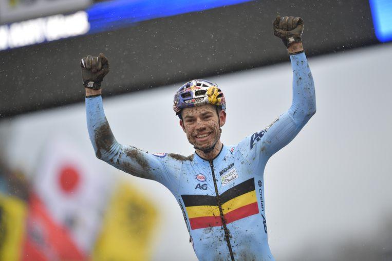 Wout Van Aert: Belgische triomf in Nederland. Beeld BELGA
