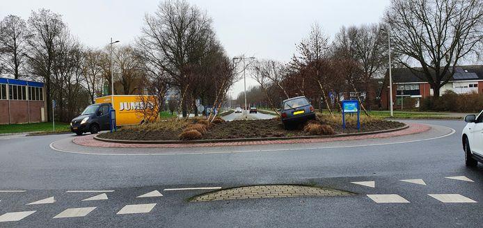 Een bestuurder koos een rotonde op de Europa- Allee uit als parkeerplek.