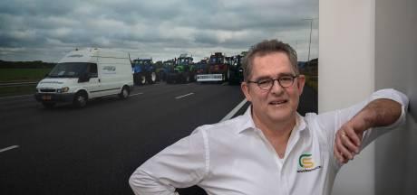 Walter bemiddelt tussen politie en demonstrerende boeren: 'Ik zorg ervoor dat het niet uit de hand loopt'