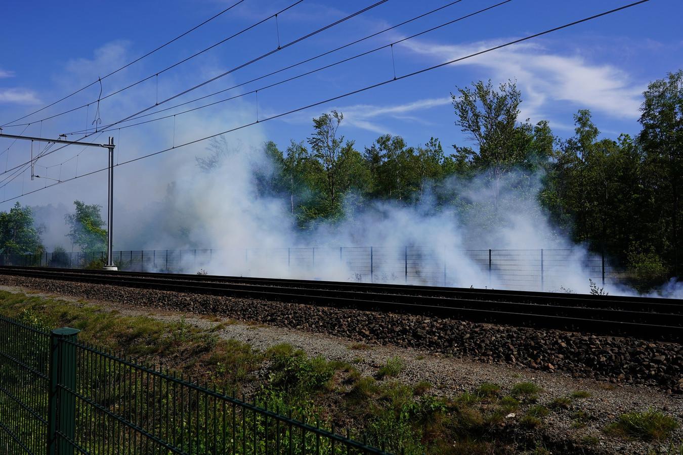 Brandjes langs het spoor tussen Breda en Gilze en Rijen