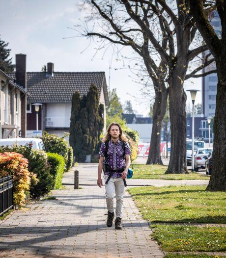 Helmondse pianist wandelend op weg naar het einde van de aarde