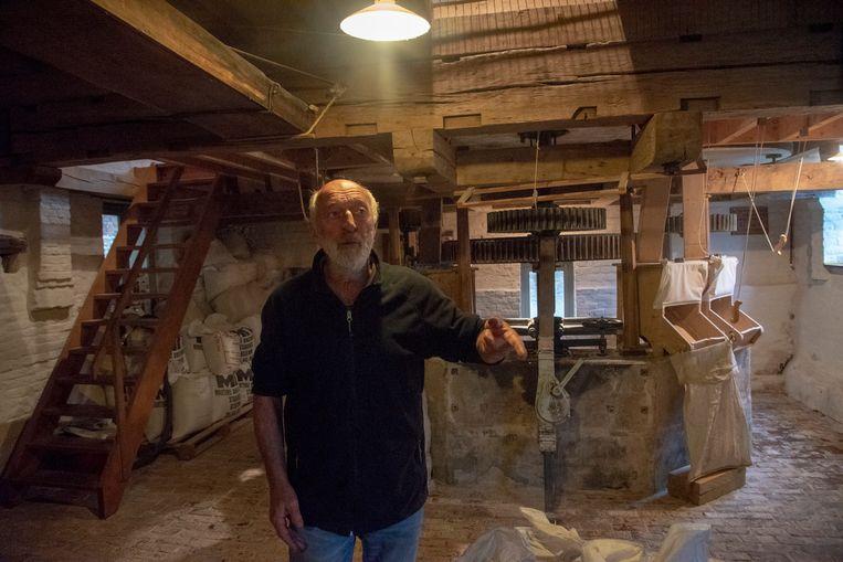 Molenaar Roel geeft rondleidingen in de molen