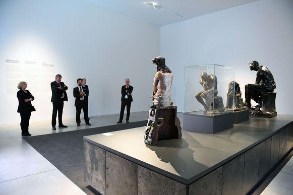 Minister-president Jan Jambon (N-VA) en Denise Vandevoort (sp.a) bezoeken museum M na een lange sluiting.