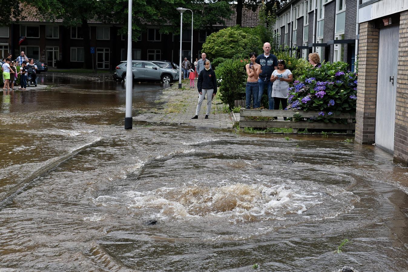 Grote waterlekkage in Tilburg.