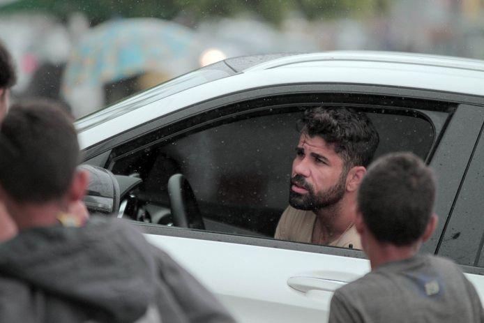 Terwijl zijn ploeggenoten bij Chelsea alweer op het trainingsveld stonden, bracht Costa de zomer door in zijn geboorteplaats Lagarto.