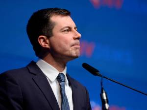 Un président américain gay? La question se pose avec l'ascension de Pete Buttigieg