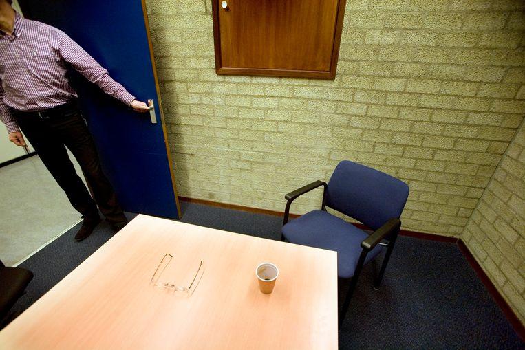 Een verhoorkamer op een politiebureau. Beeld Hollandse Hoogte / Gerhard van Roon
