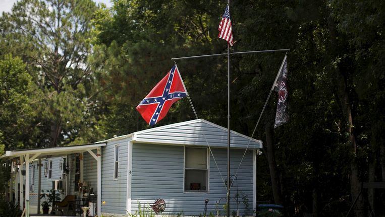 De zuidelijke vlag is overal te zien in South Carolina. Beeld reuters
