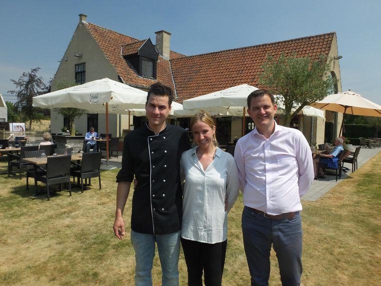 Felix Van den Hove, Ellen Vernaeve en Frédéric Deplus voor de brasserie.
