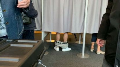 Man trekt broek uit voor verkiezingen