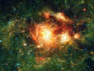 Ruimtetelescoop ontdekt miljoenen zwarte gaten in kosmos