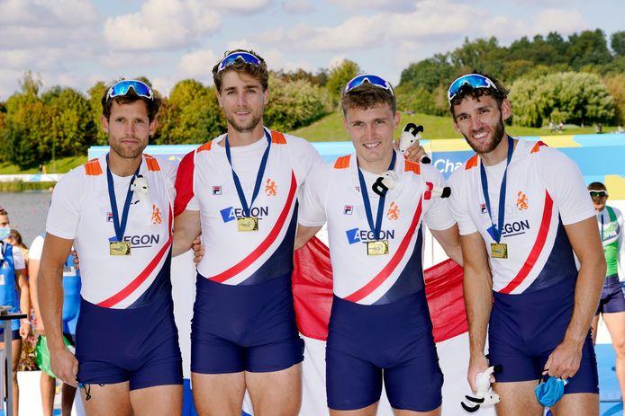 Dirk Uittenboogaard, Aber Wiersma, Tone Wieten en Koen Metsemakers met hun gouden medaille (l-r), EK roeien in Polen 2020.