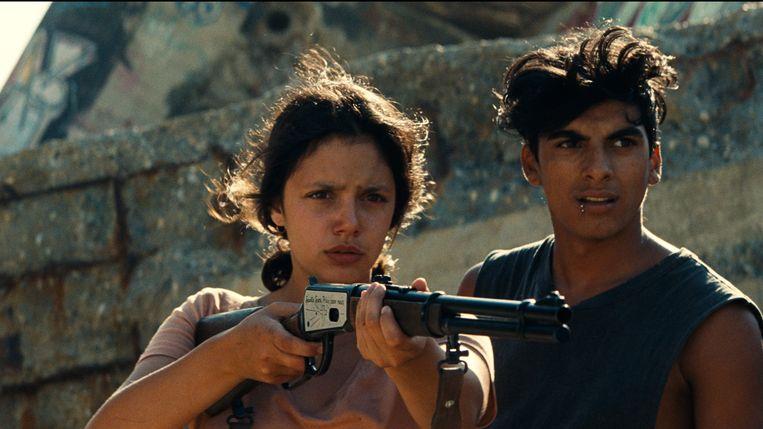 Het koppel Ava en Jean pleegt overvallen in de prachtige film 'Ava'. Beeld TRBEELD