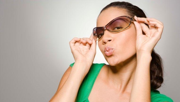 Deze bril is niet donker genoeg om je voldoende te beschermen tegen de zon. Beeld UNKNOWN