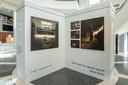 De expositie Stilte heeft het laatste woord met foto's van Tahné  Kleijn in de Kunsthal van Museum Helmond.
