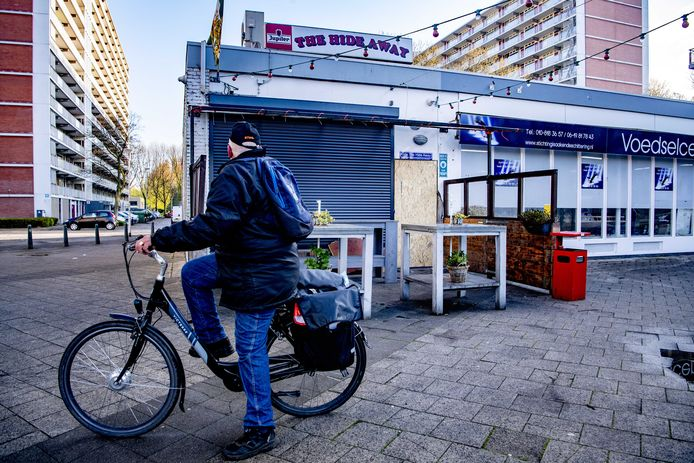 Schade aan het Feyenoordcafé The Hide Away door een explosief.