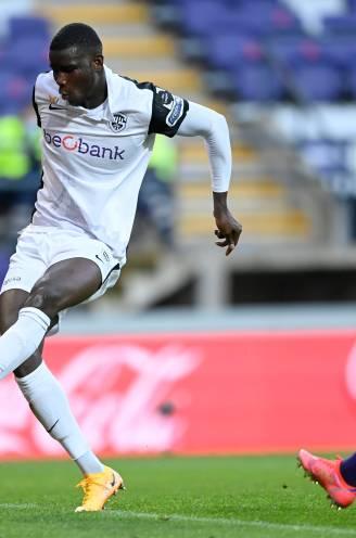 """Gouden Stier Onuachu is met 33 goals op recordjacht en krijgt nu ook Erwin Vandenbergh in het vizier: """"Erwin wie?"""""""