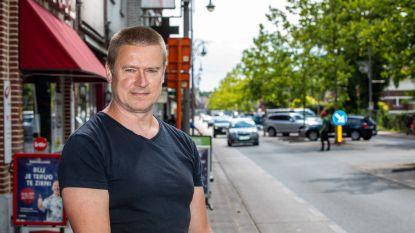 """""""Als het zo doorgaat, kunnen wij hier niet blijven wonen"""": David (52) heeft al 7 jaar last van geluidsoverlast door straatracers"""