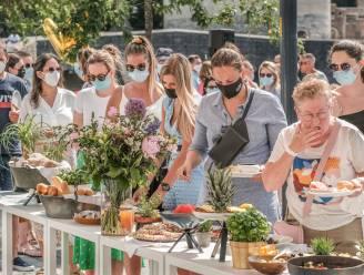 200 fijnproevers genieten van zonovergoten brunch op verlaagde Leieboorden