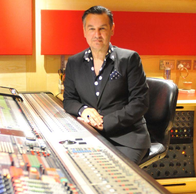 Stephen Emmer in zijn studio. Beeld PR/stephenemmer.com