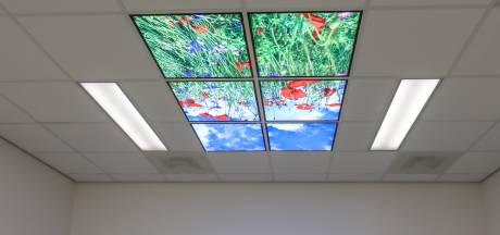 Patiënten in echokamer Meander MC ervaren minder stress door plafond met klaprozen