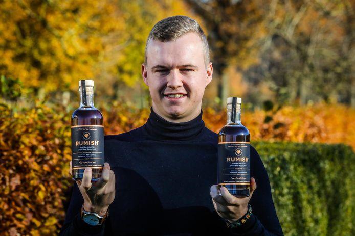 Mattias Bonami met de alcoholvrije rum Rumish.