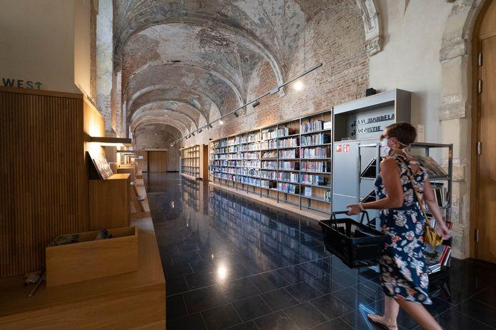 De bibliotheek in Het Predikheren.
