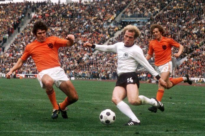 Beeld uit de WK-finale van 1974 tussen Nederland en Duitsland.
