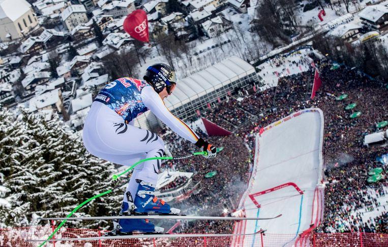 Thomas Dressen skiet als snelste naar beneden. Maximale hellingsgraad: 85 procent.  Beeld EPA