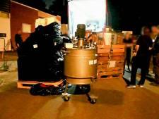 Arrestatieteam valt zeer groot drugslab in Boekelo binnen: twee personen aangehouden