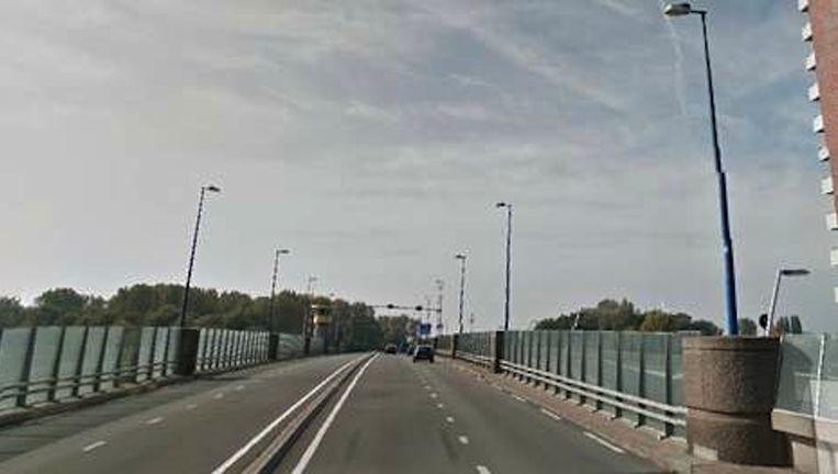 De Doctor J.M. Den Uylbrug in Zaandam. Beeld Google Street View