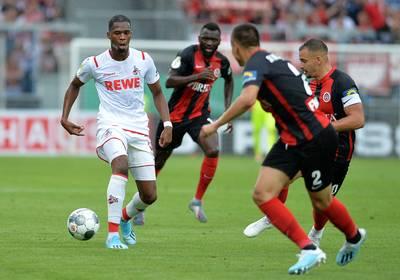 Ehizibue en St. Juste maken Bundesliga-debuut