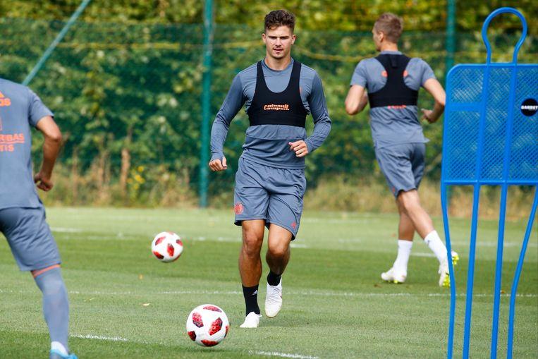 Het ging plots heel snel voor Dendoncker. Een dag voor de Engelse deadlineday zat hij nog mee te trainen op Neerpede. De dag erna was hij een nieuwe speler van Wolverhampton.