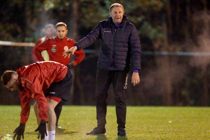 Chris Janssens was de voorbije seizoenen vooral actief in de lagere afdelingen, zoals hier bij Tempo Overijse.