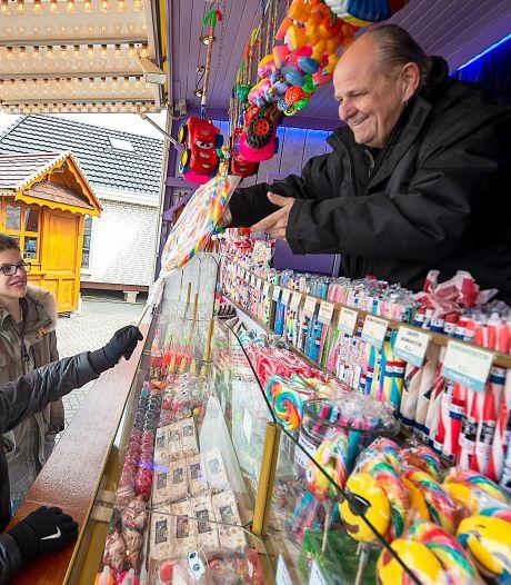 Toch een klein beetje kermis: ondernemers in Bergen op Zoom met kramen de straat op