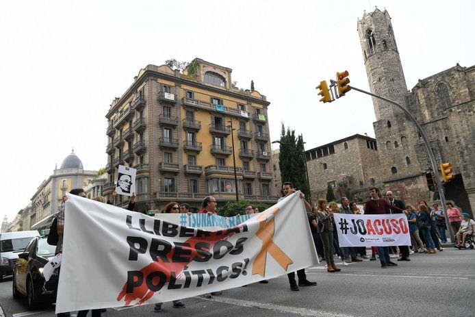 Meteen na de bekendmaking van de straffen kwamen in Barcelona mensen op straat.