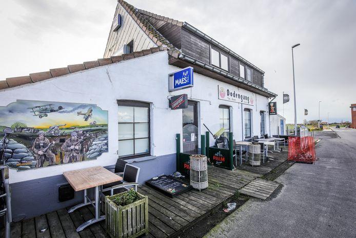 In de kelder van café Dodengang vonden de speurders in juli vorig jaar een drugslab. Het afvalwater werd rechtstreeks in de beek geloosd.